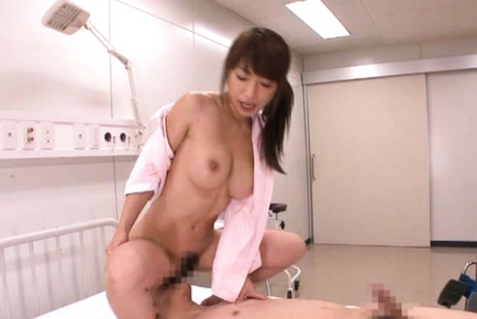 Mika Kayama Naughty Asian nurse enjoys smelling of sex