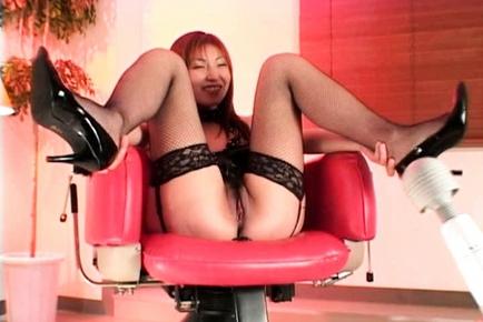 Hitomi Ikeno Mature Japanese nurse enjoys sex