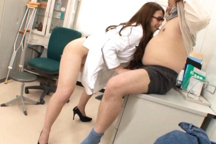 Nerdy doctor Ai Sayama seduced a patient to suck him dry