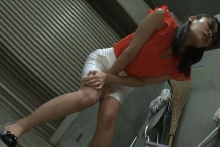 Horny Japanese AV model gets screwed by horny gynecologist