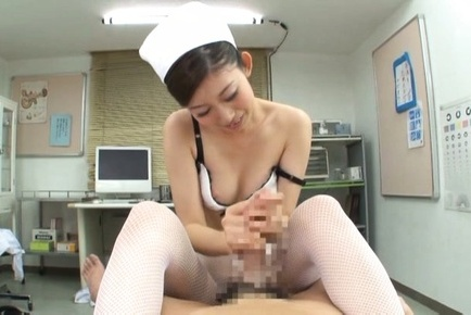 Nurse Natsumi Inagawa is in for a naughty show at work