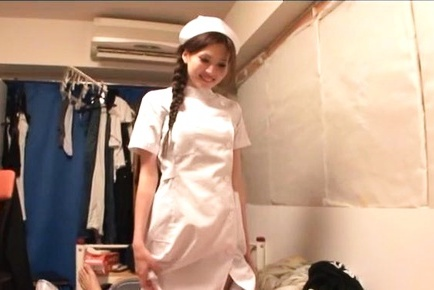 Helpful nurse Ameri Ichinose gives a hand job and sucks cock
